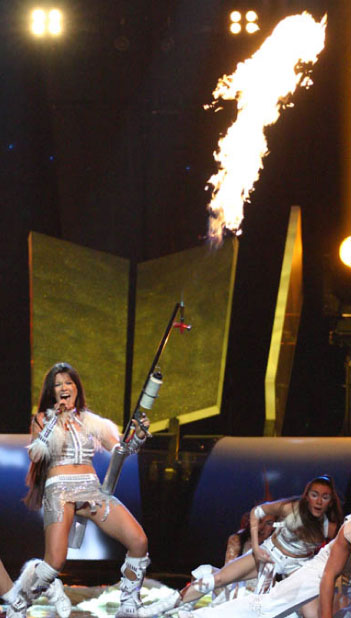 Ruslana-flamethrower-Eurovision-2005